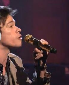 Fun-Nate-Ruess-Microphone