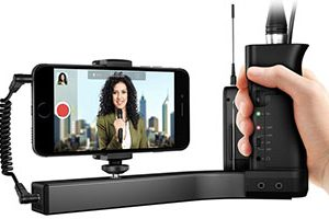 iKlip A/V – Smartphone Broadcast Mount With Built In Mic Pre Amp